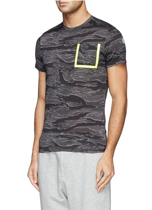 Front View - Click To Enlarge - Moncler - Neon trim camouflage T-shirt