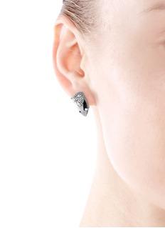 IOSSELLIANIPerforated cheetah head crystal stud earrings