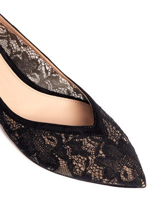 Detail View - Click To Enlarge - Gianvito Rossi - Suede trim lace flats