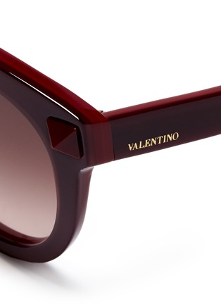 Detail View - Click To Enlarge - Valentino - Rockstud round-frame plastic sunglasses