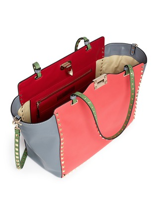 Detail View - Click To Enlarge - Valentino - 'Rockstud' medium Italian Pop leather tote