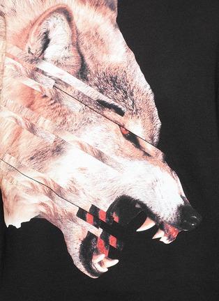 细节 - 点击放大 - MARCELO BURLON - CRUCES条纹拼接野狼图案连帽卫衣