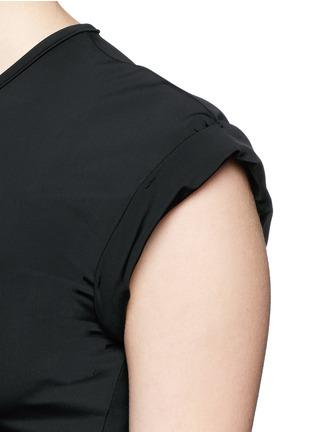 细节 - 点击放大 - BETH RICHARDS - 卷边袖流苏下摆泳装T恤