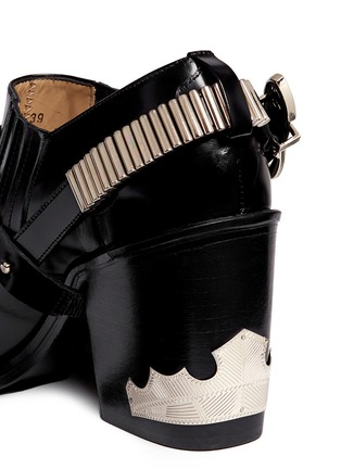 Detail View - Click To Enlarge - TOGA ARCHIVES - Buckle harness leather booties