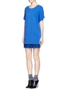 NO. 21Bead sequin panel dress