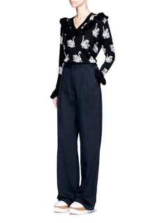 Stella McCartneyRuffle swan jacquard virgin wool sweater