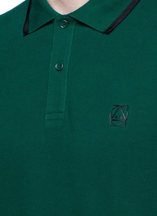 Detail View - Click To Enlarge - McQ Alexander McQueen - Logo print cotton polo shirt