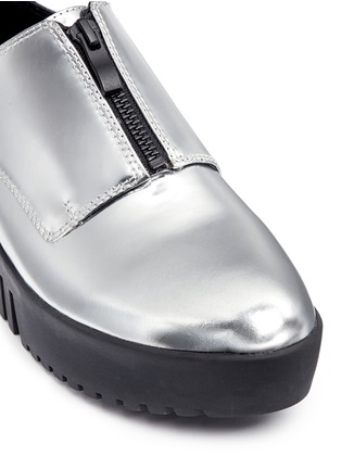 Detail View - Click To Enlarge - Opening Ceremony - 'Spectator' metallic leather zip platform derbies