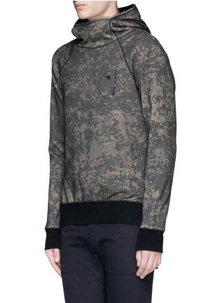 Den Im By Siki Im-'VAMPYROS' camouflage print hoodie