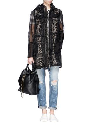 模特儿示范图 - 点击放大 - MONCLER - 欧根纱豹纹双层羽绒大衣