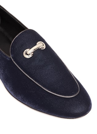 Detail View - Click To Enlarge - Giuseppe Zanotti Design - 'Cut 15' clamp velvet loafers