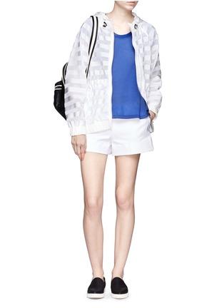模特儿示范图 - 点击放大 - MONCLER - 拼贴褶饰纯棉T恤