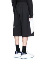 'Taito' geometric slogan print jersey shorts