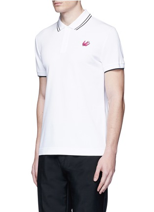 Front View - Click To Enlarge - McQ Alexander McQueen - Swallow skull patch appliqué polo shirt