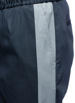 竖纹拼接运动裤