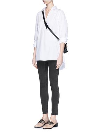 模特儿示范图 - 点击放大 - ACNE STUDIOS - SKIN 5弹性混棉牛仔裤