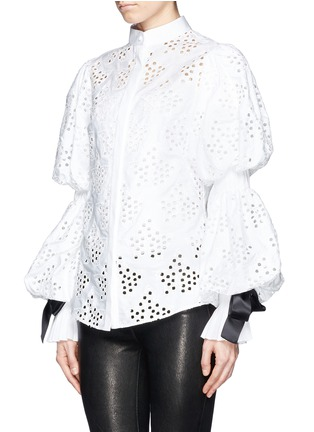 Front View - Click To Enlarge - Alexander McQueen - Broderie Anglaise puff sleeve blouse