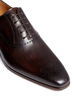 Medallion toe cap five eyelet leather Oxfords