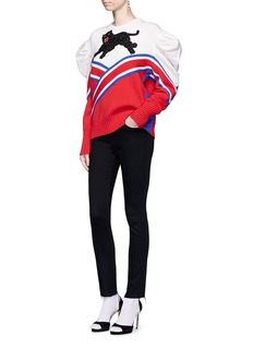 GucciPanther and slogan embellished wool sweater