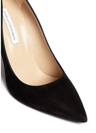 Detail View - Click To Enlarge - DIANE VON FURSTENBERG SHOES - 'Bethany' abstract print stiletto suede pumps