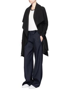 Harris Wharf LondonShawl collar cashmere blanket coat