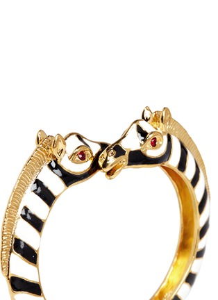 Detail View - Click To Enlarge - Kenneth Jay Lane - Enamel double zebra gold plated cuff