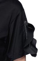 Ruffle trim split cuff T-shirt