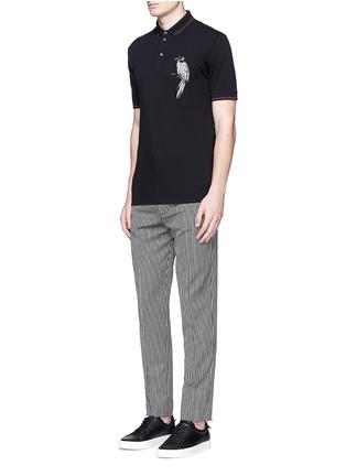 模特儿示范图 - 点击放大 - DOLCE & GABBANA - 小鸟刺绣纯棉POLO衫
