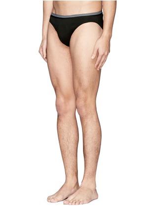 模特儿示范图 - 点击放大 - ZIMMERLI - 纯色三角内裤