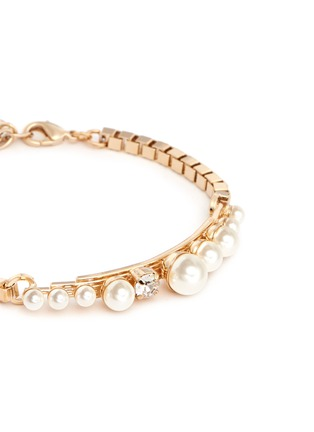 Detail View - Click To Enlarge - Anton Heunis - Glass pearl swarovski crystal curved plate bracelet