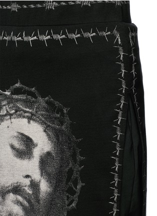 Detail View - Click To Enlarge - Givenchy - Barb wire Jesus print skirt