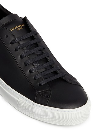 Detail View - Click To Enlarge - Givenchy - 'Paris 17' leather low top sneakers