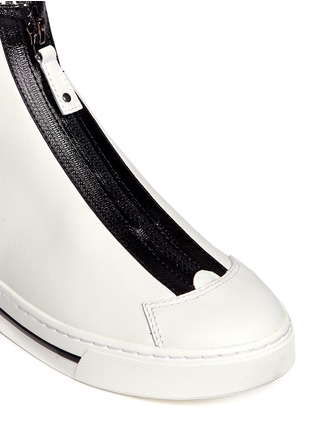 Detail View - Click To Enlarge - MARC BY MARC JACOBS SHOES - Taped zip high top leather sneakers
