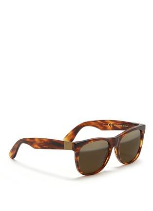 模特儿示范图 - 点击放大 - SUPER - 中性款玳瑁方框太阳眼镜