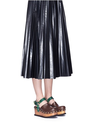 Figure View - Click To Enlarge - Sacai - Wooden wedge stud colourblock leather clogs