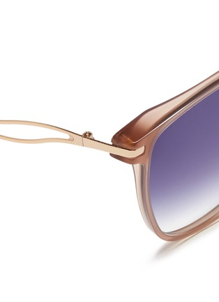 Detail View - Click To Enlarge - Victoria Beckham - 'Vienna' wavy cutout temple acetate sunglasses