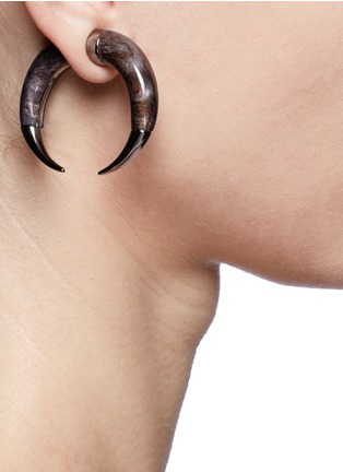 Figure View - Click To Enlarge - Givenchy - Double shark magnetic single earring