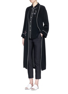 Comme MoiSwan embroidered belted satin back crepe coat