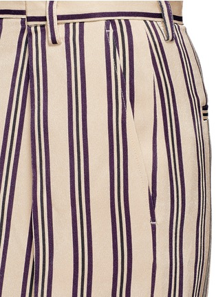 Detail View - Click To Enlarge - Dries Van Noten - Front vent stripe skirt
