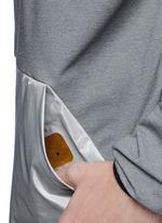 Retractable hood kangaroo pocket colourblock sweatshirt