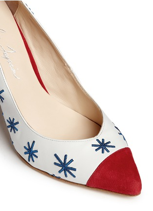 Detail View - Click To Enlarge - Isa Tapia - 'Estrella' star embroidery suede trim leather pumps