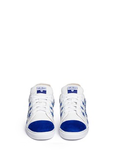 ISA TAPIA'Miro' star embroidery suede trim sneakers