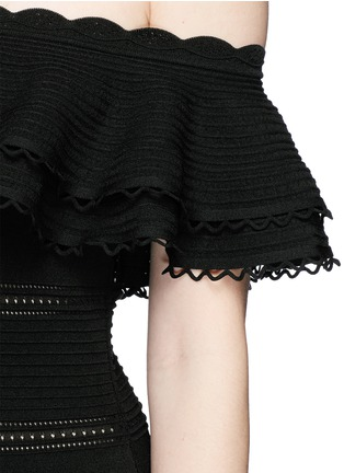 Detail View - Click To Enlarge - Alexander McQueen - Ruffle knit off-shoulder maxi dress