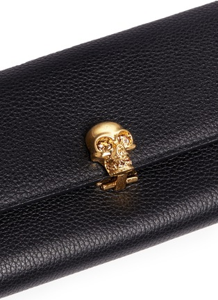 - Alexander McQueen - Skull charm leather French wallet