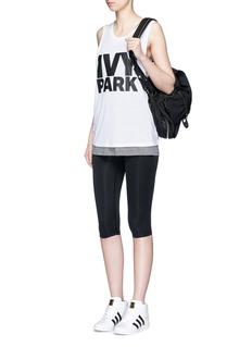 Ivy Park The V' mid rise capri leggings