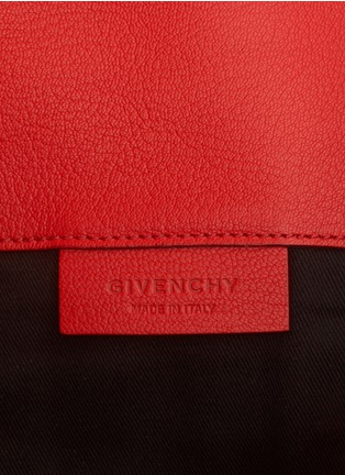 Detail View - Click To Enlarge - Givenchy - Antigona leather envelope clutch