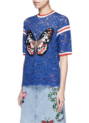 Front View - Click To Enlarge - Gucci - Stripe trim butterfly embroidery lace T-shirt