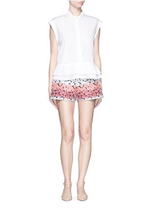 模特儿示范图 - 点击放大 - GIAMBA - 拼色花卉提花短裤