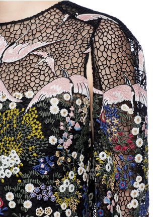 Detail View - Click To Enlarge - Valentino - Bird landscape embroidery macramé lace cape dress