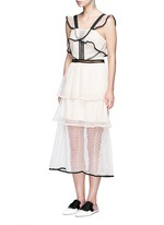 Contrast trim geometric guipure lace ruffle dress
